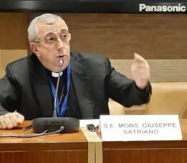 """Mons. Satriano all'inaugurazione dell'A.A. dell'Ateneo Pontificio Regina Apostolorum: """"lasciate incamminare la vita in scelte evangeliche che abbiano il sapore della misericordia""""."""